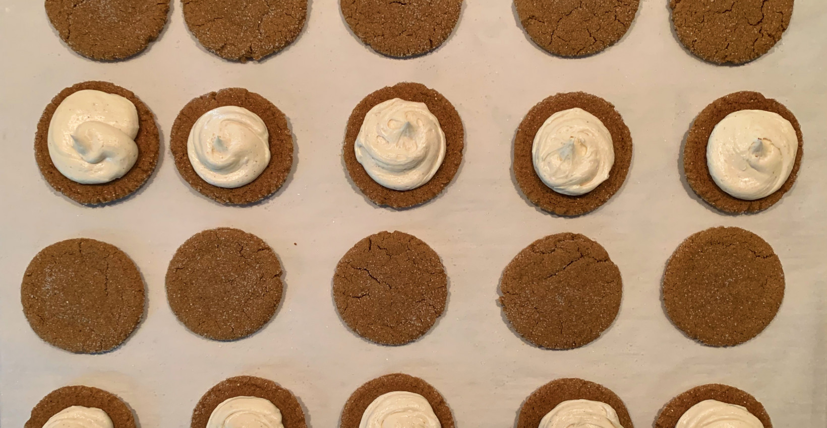 Ginger cookies with icing